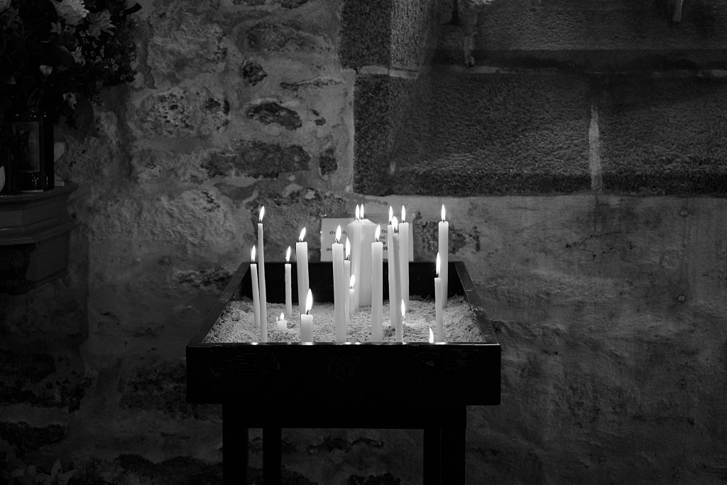candles-2403602_1920